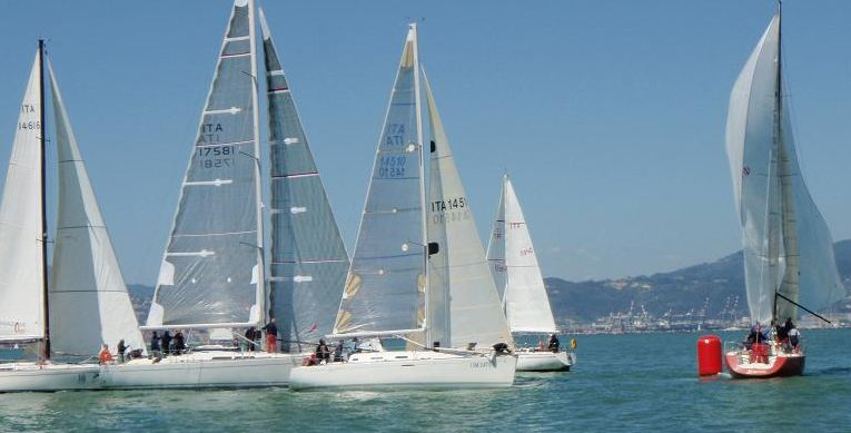 Yacht Club Parma traffico in boa